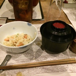 韻松亭 - 鮭の土鍋ご飯&赤出汁