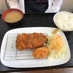 とんかつのなみま - 113番 1090円位(ヒレカツ、クリームコロッケ)