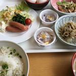 くれたけイン - 料理写真:朝ご飯はバイキングスタイル(2017.05現在)