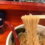 67823548 - 麺は柔らかくスープとよく絡んでいました。