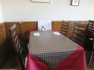フランス食堂 キリギリス - テーブル席