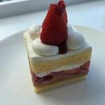 豊島屋洋菓子舗 置石 - ショートケーキ
