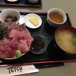 秋葉原旨い魚と焼酎.地酒 美味研鑽 TETSU - マグロ&カツオMIX鉄火丼1000円