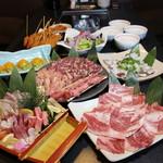 居酒屋 武蔵 - 料理写真:マグロ大トロ入り刺身盛合せ付き。夏のガッツリ焼肉コース 3500円