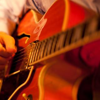 ミュージシャンやアーティストを応援するカジュアルレストラン