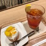 モスカフェ - マンゴーロールケーキ&アイスレモンティー