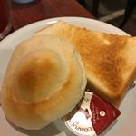 カプチーノ - Aセットのパン