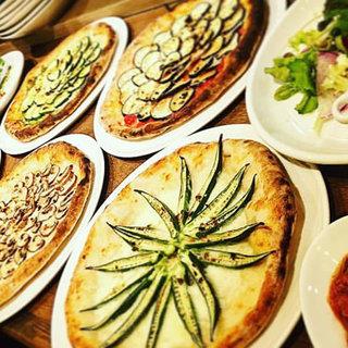 野菜にこだわった窯焼きの本格ナポリピザもメニューに導入!