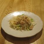 マンゴツリーカフェ - 前菜の鶏ひき肉と春雨のサラダ