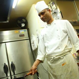 五つ星ホテル出身のシェフによる本物のインド料理