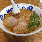 九州麺匠の味 やまごや - 料理写真:
