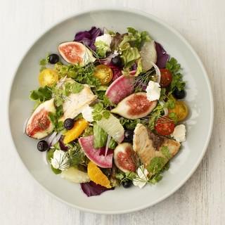 1番人気の美食家の贅沢サラダに新メニュー登場‼