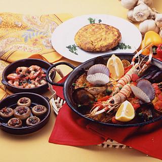 こだわり抜いた本場のスペイン料理、テイクアウトも承ります。