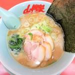 山岡家 - 料理写真:醤油ラーメン