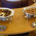 津山鶴山ホテル - 朝食バイキングで並んでいる料理