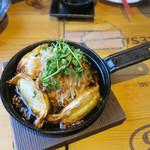 渋谷 道玄坂 肉寿司 - 餃子のアヒージョ