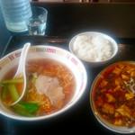 長城飯店 - 料理写真:麻婆豆腐定食+らーめん@900
