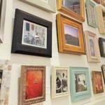 Oliva - 壁にはたくさんの写真