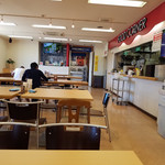 67875639 - 店内の様子☆彡厨房は熟練のバイトさんやパートさんが楽しく働きよるぞん