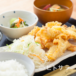つばめ屋 - ジューシーな鶏天が食べ応え十分。秋田県および九州産の鶏肉を使った『やわらか鶏天ぷらランチ』