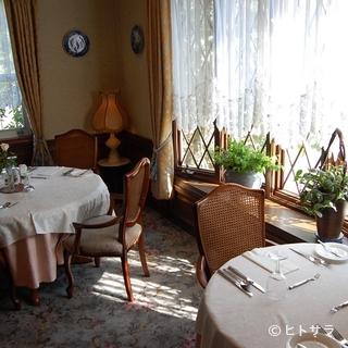 落ち着いた雰囲気でフランス料理のデートはいかがですか