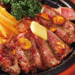 熟成肉のステーキ♪ハワイアン空間でがっつり肉料理★