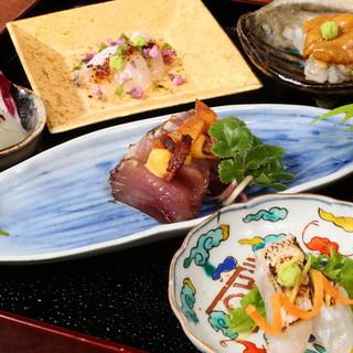 伝統を重んじながら、現代に昇華させた日本料理