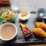 マドカフェ - 煮込みプレートセット(ご飯とおかず) ¥1,280