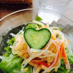 マドカフェ - サラダのキュウリがハート形(^o^)