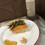67897122 - 煮穴子の天ぷらドック、手前天だし