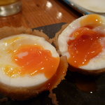 ちえ蔵 - 串カツ盛り合わせの卵は半熟でおいし~い!