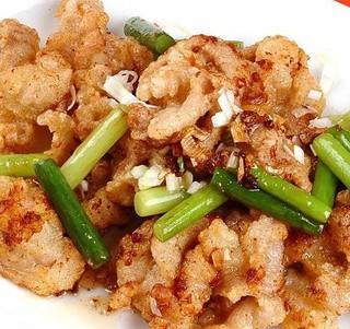 天天飯店 - 豚肉の揚げ物ピリ辛炒め ¥600