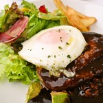リゾラ テラス 天草 - 赤牛肉のロコモコ