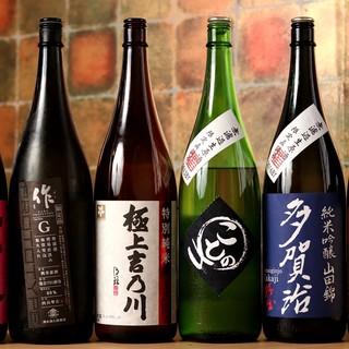 日本酒もワインも日本中から仕入れます!