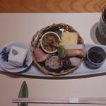 和餐 - 白いものはお豆腐ではありません
