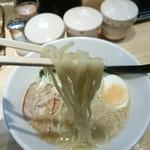 麺屋 龍 - 加水率高めの美味しい中太麺