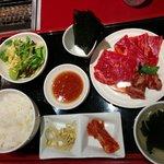 焼肉 平城苑 寛雅亭 - お友だちが食べた オーロラ3種セット 1180円(税抜き)