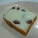 ベーカリーロミオ - 料理写真:アーモンドボックス(¥130)