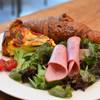 SWISS - 料理写真:新玉ねぎたっぷりそら豆とスモークサーモンキッシュプレート♪