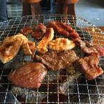 焼肉 永福苑 - 炭火で一人焼肉できます。