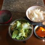 焼肉 永福苑 - ご飯、スープ、サラダはお代わり可