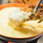 天山閣 - 料理写真:話題のチーズカルビ!