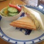 サンドグラス - クロックムッシュ(ハム&チーズ)・ミニサラダ