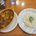 Kikuya Curry - カシミールカレー豚バラ、ライス中
