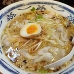 飛附亭 - 料理写真:こってりワンタン麺です 2017.5