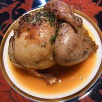 モゴット - ラカン産の鳩のロティ、野菜のファルス