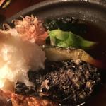 67928586 - 地魚のツミレと野菜の揚げ出汁。