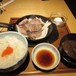 豚ステーキ十一 - 私は初めて食べた上タンステーキ定食1000円。  こちらも美味しいポテトサラダが小鉢で添えられてます。