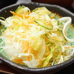 美音 - ビーフシチュー 1000円 のサラダ