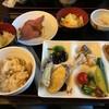 万座温泉日進舘 - 料理写真:夕食のバイキング